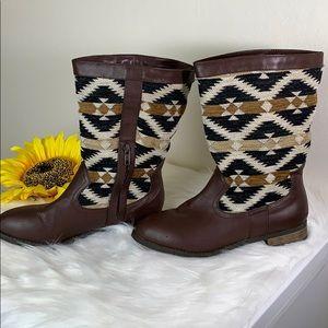 Forever 21 Aztec design Boots